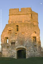 donnington castle gatehouse